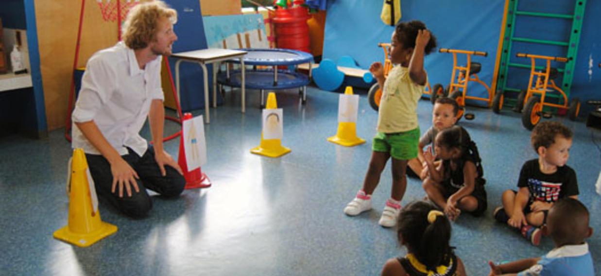Un prof allemand avec les élèves