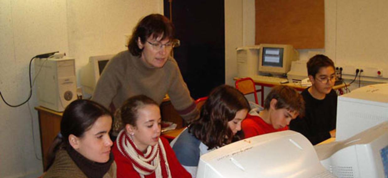 Des élèves font du TeleTandem