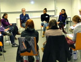 <p>Salon des élèves à la Humboldt Universität de Berlin</p>